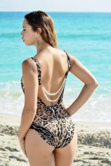 nora gouma, karoswimwear, modelonamission