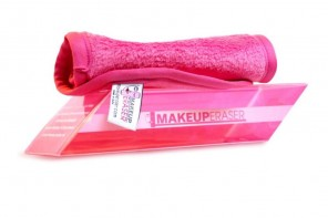 Makeup Eraser removes makeup with just water