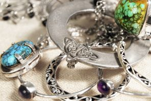 How to clean silver and silver jewelry