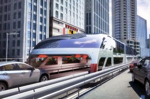 China's electric-powered elevated bus beats traffic