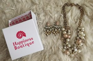 Happiness Boutique timeless jewelry with a vintage touch